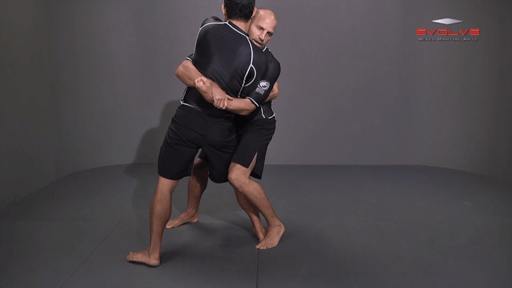 Bodylock To Knee Tap Finish To Opposite Leg
