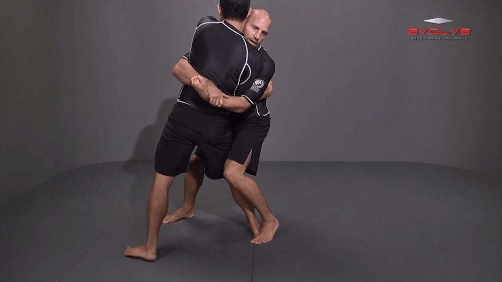 Bodylock To Knee Tap Finish To Opposite Leg