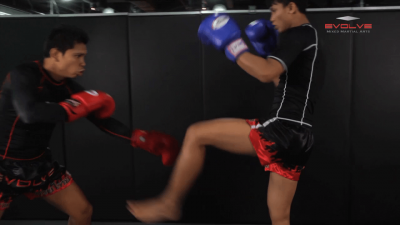 Chalee Sor Chaitamin: Catch and Pull, Back Elbow