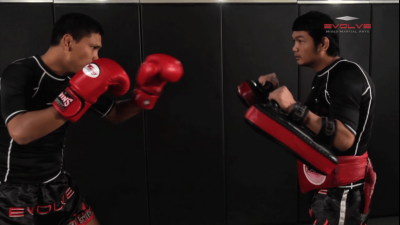 Chalee Sor Chaitamin: Right Kick and Right Push Kick