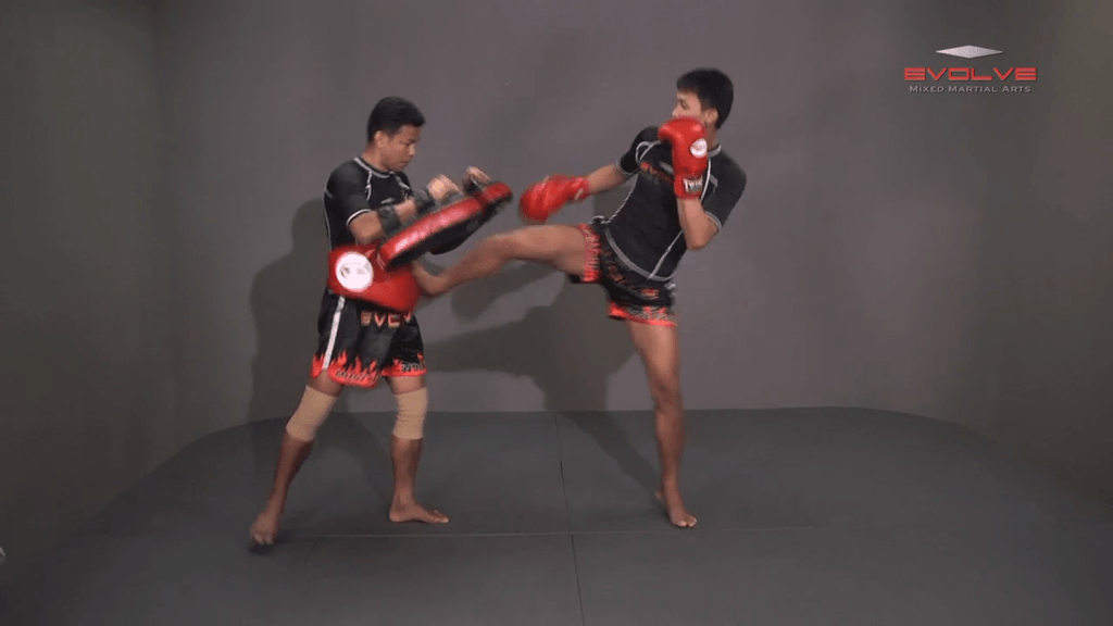 Chaowalith Jocky Gym: Cross Block, Slide Push Kick
