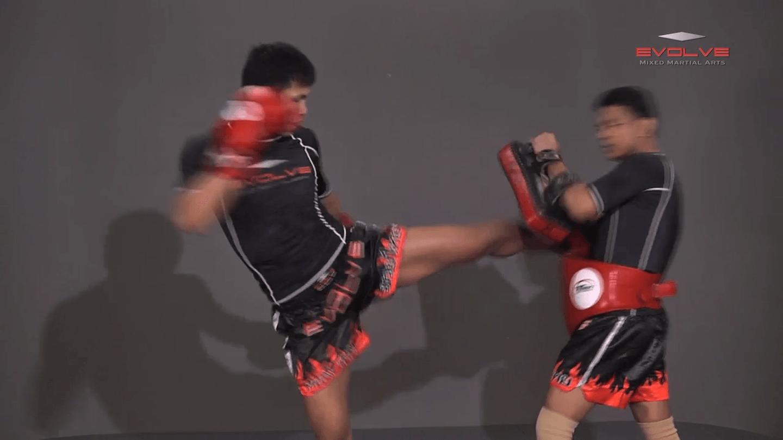Chaowalith Jocky Gym: Shuffle Stance To Kick