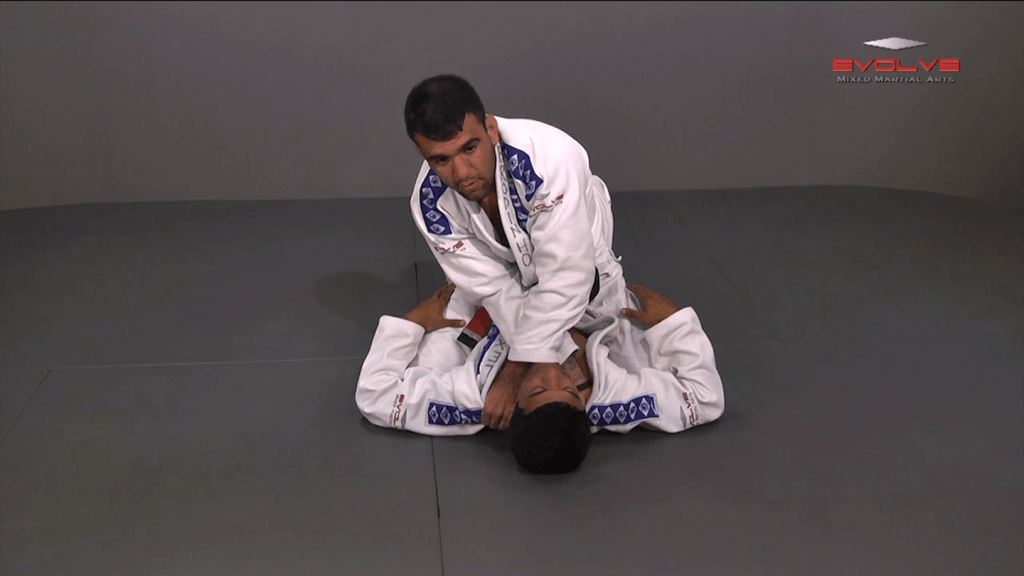 Collar Choke From Full Mount Position