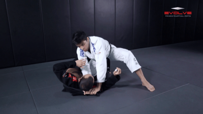 Collar Choke From Top Half Guard Variation