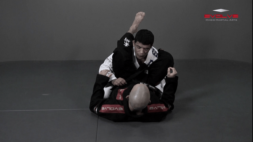 Defend Double Underhook Pass To Triangle Lock