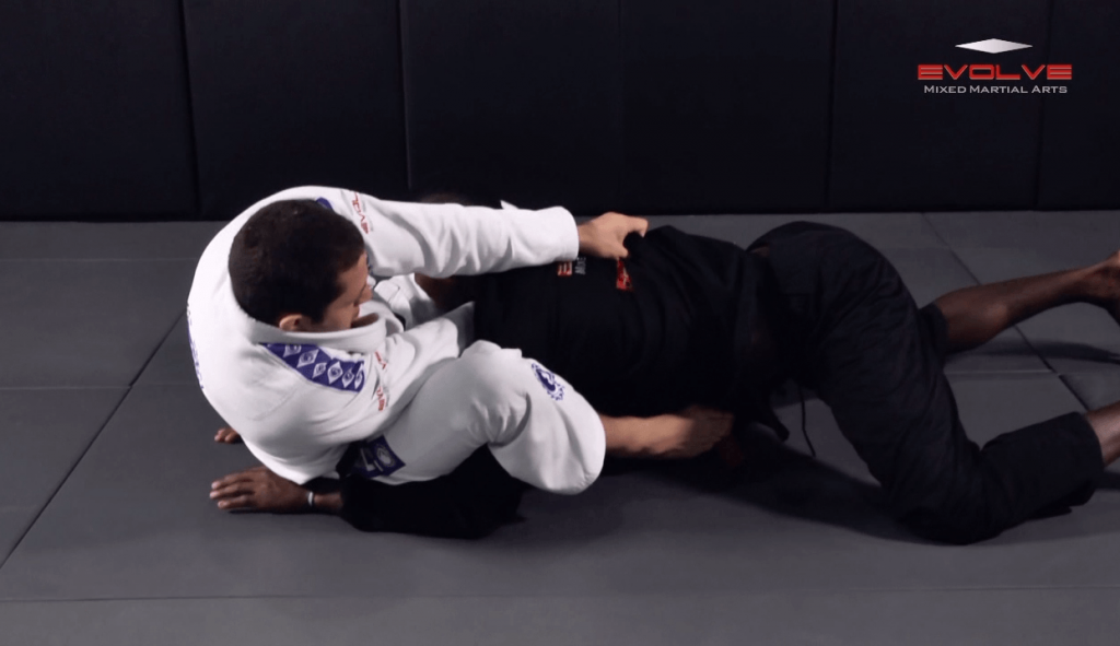 Defense Against Double Underhooks Pass – Collar Choke