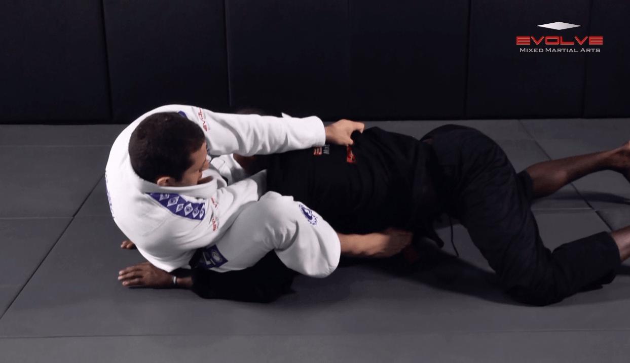 Defense Against Double Underhooks Pass – Collar Choke