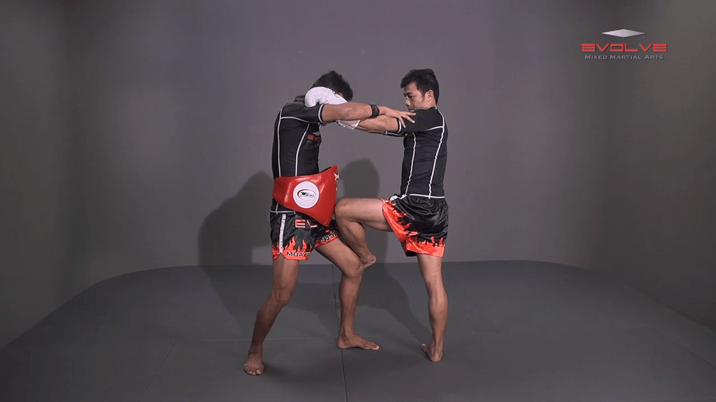 Muangfalek Kiatvichian: Knee Block to Spinning Back Elbow