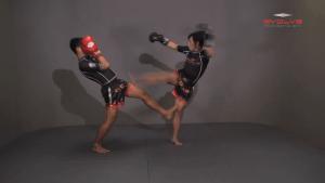 Namsaknoi Yudthagarngamtorn: Clinch, Knee To Body, Fake, Knee To Face