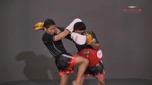 Saknarong Sityodtong: Block Clinch, Knee x3