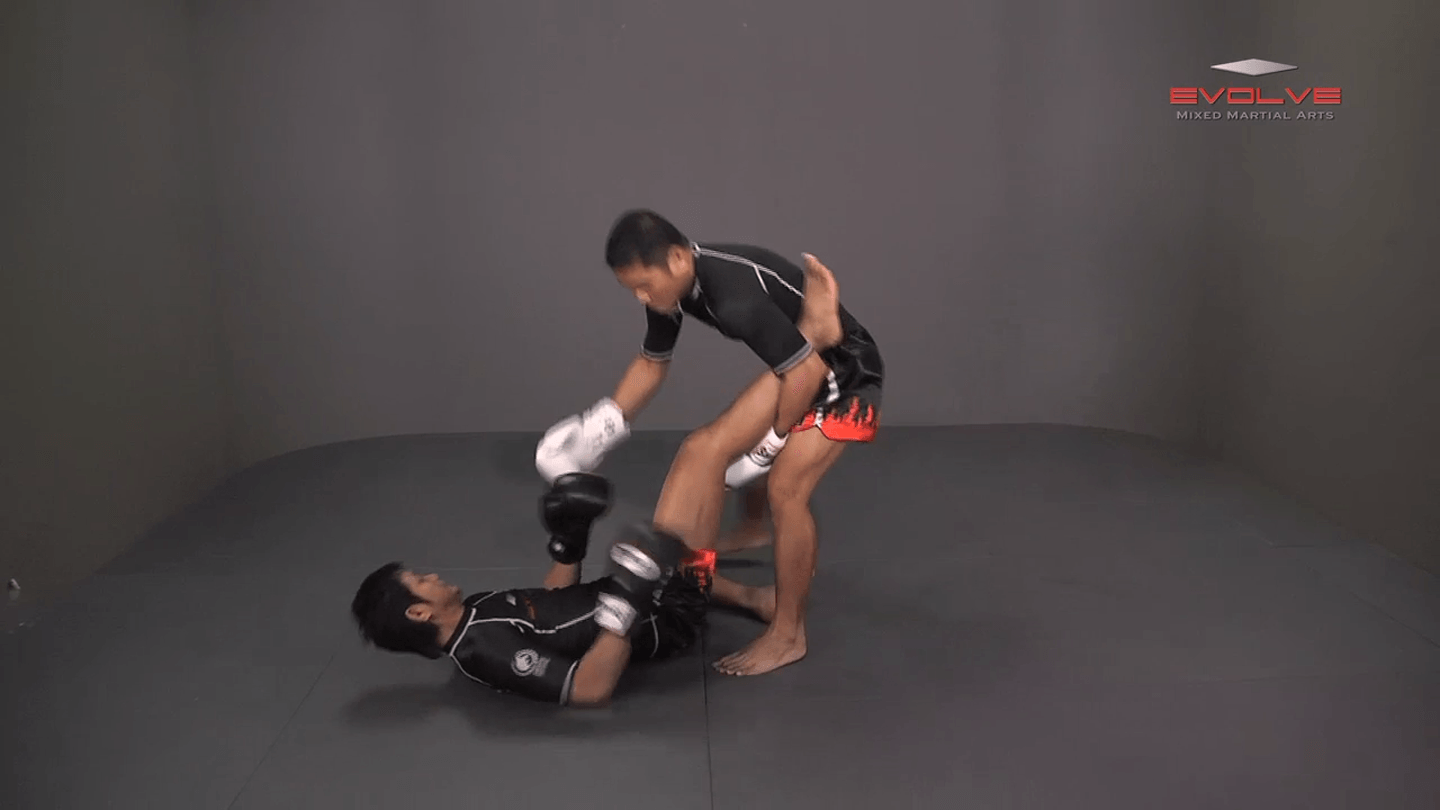 Saknarong Sityodtong: Catch Kick and Takedown