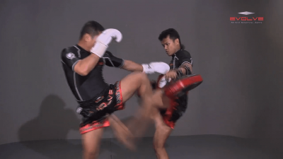 Saknarong Sityodtong: Cross Block, Right Kick