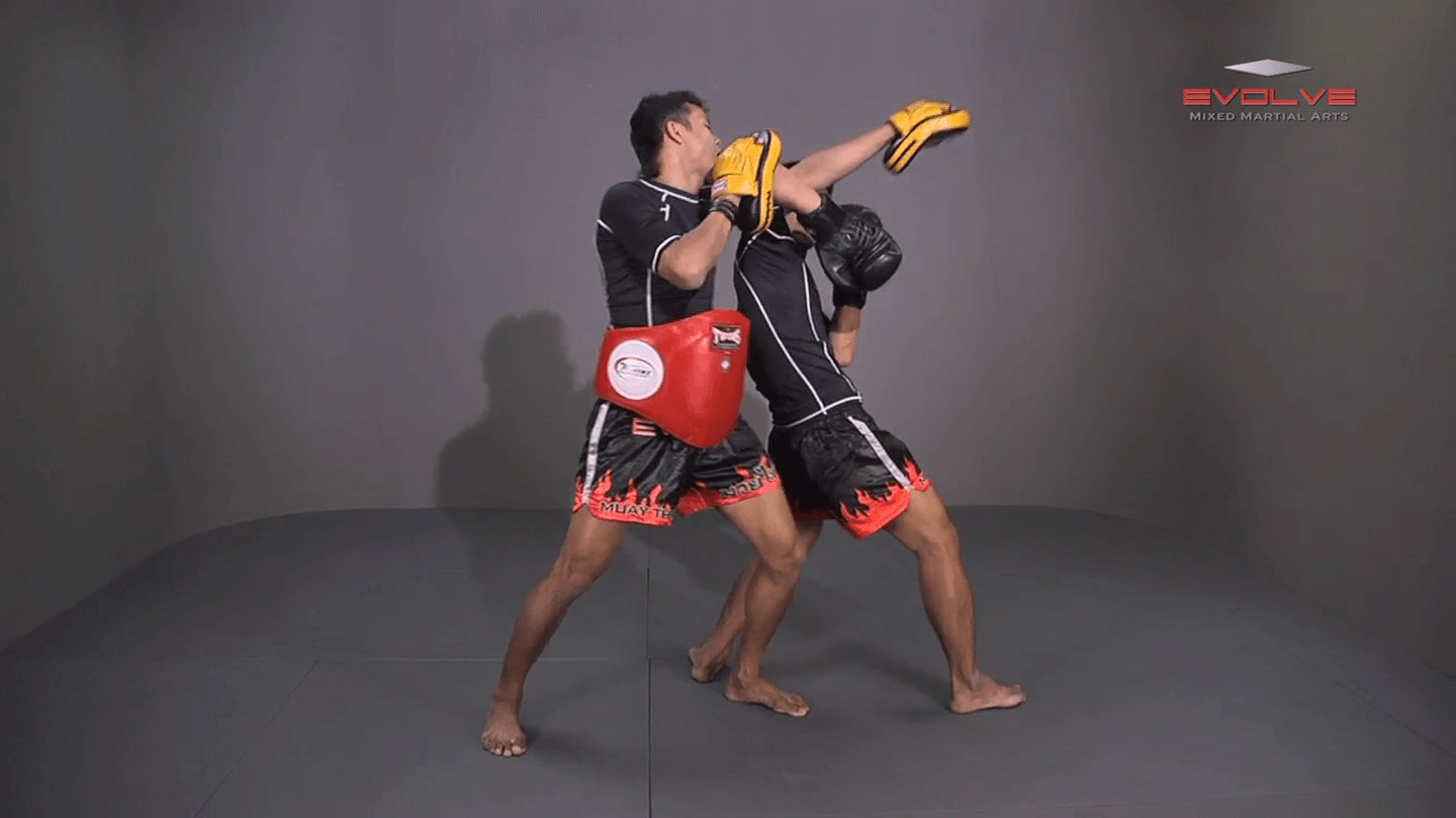 Yoddecha Sityodtong: Spinning Back Elbow To Counter Jab