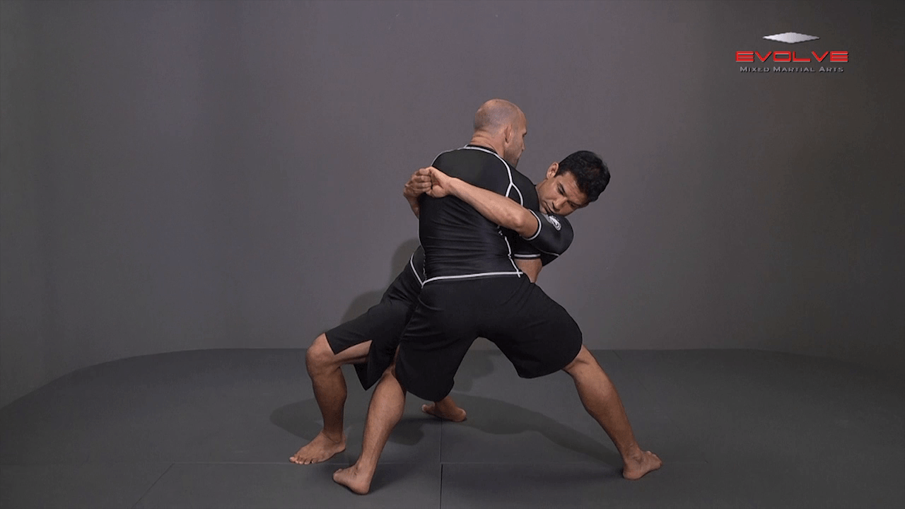 Body Lock – Knee Tap Finish