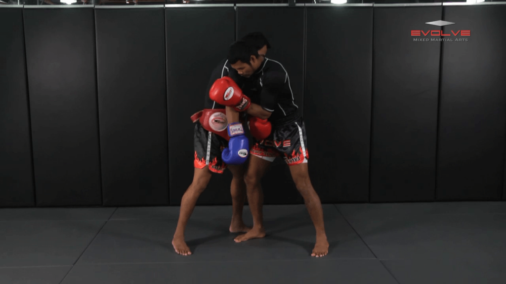 Clinch Boxing – Shoulder Push To Body Shot