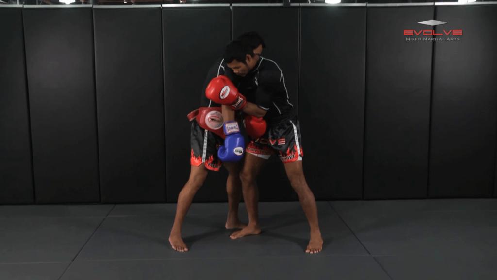 Clinch Boxing – Shoulder Push To Body Shot