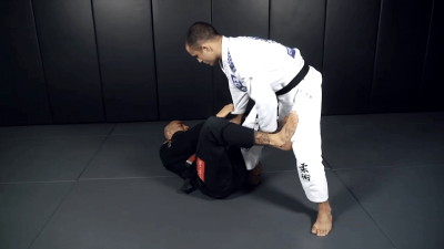 Counter Knee Bar Against De La Riva Guard