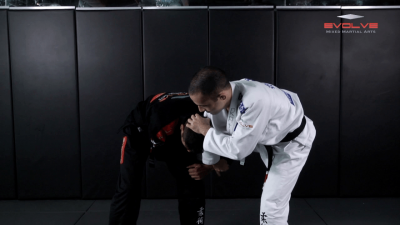 Single Leg Defense To Omoplata
