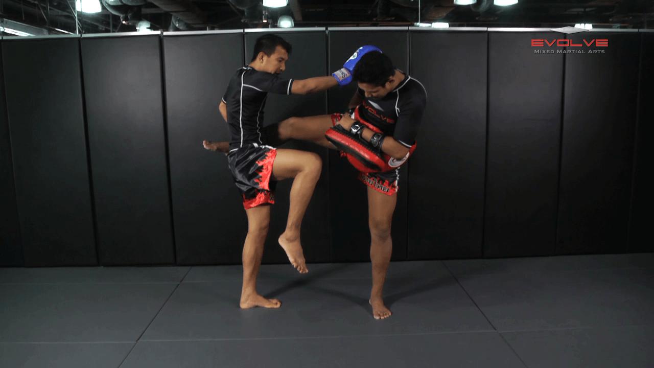 Namsaknoi Yudthagarngamtorn: Left Block & Catch, Right Knee X2, Right Kick