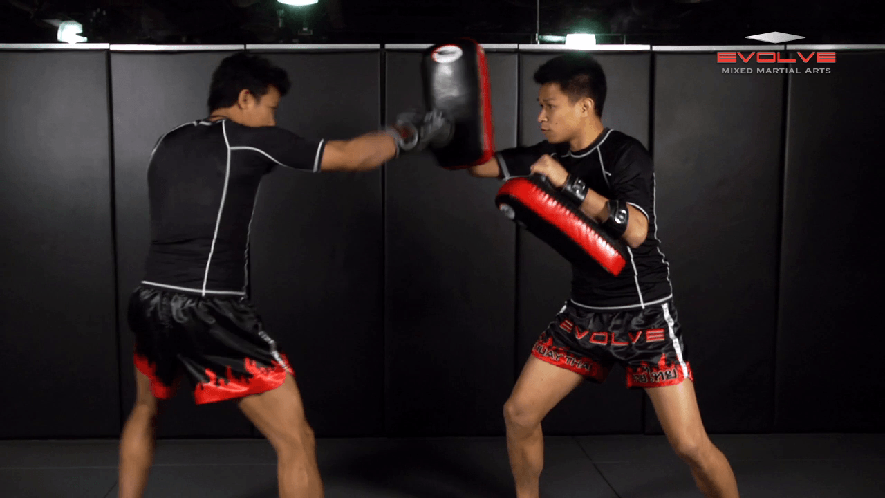 Fight Breakdown: Thaksinlak Kiatniwat vs. Sam-A Gaiyanghadao