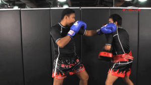 Nonthachai Sit O: Jab, Cross, Left Knee, Right Elbow