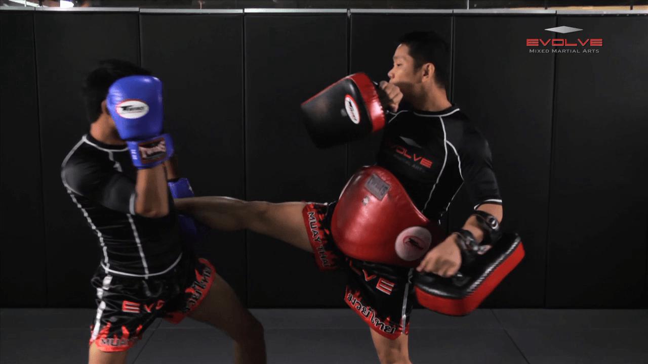 Saenghirun Lookbanyai: Catch Kick, Right Kick X2, Catch Kick, Right Up Elbow