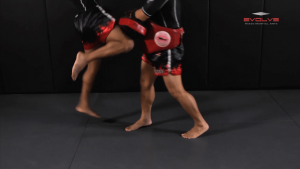 Dejdamrong Sor Amnuaysirichok: Catch & Pull, Jump Knee