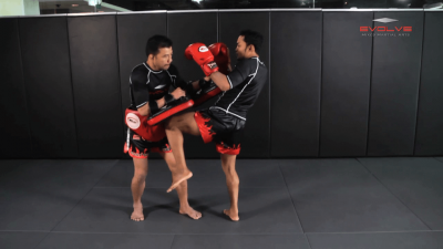 Dejdamrong Sor Amnuaysirichok: Fake Knee, Step Forward, Left Knee, Left Elbow