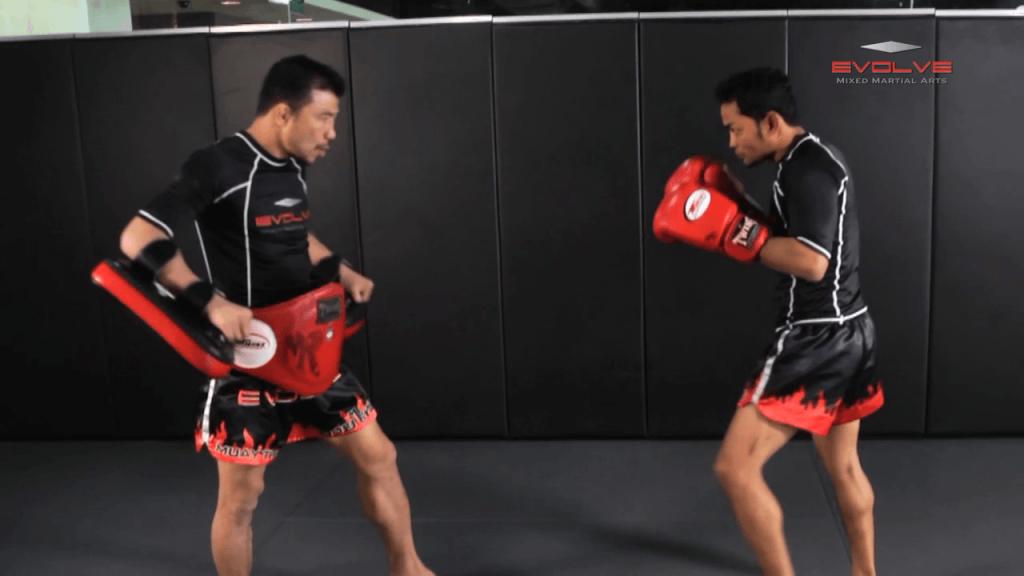 Dejdamrong Sor Amnuaysirichok: Fake Knee, Up Elbow, Right Low Kick, Right High Kick