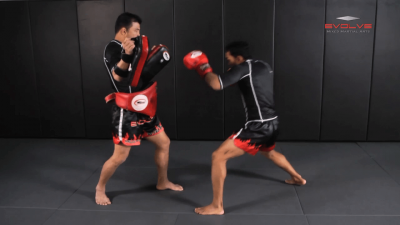 Dejdamrong Sor Amnuaysirichok: Bodyshot, Left Hook, Right Cross, Catch & Footsweep
