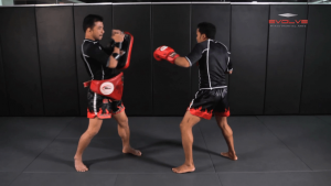 Dejdamrong Sor Amnuaysirichok: Right Block, Right Uppercut, Left Hook, Right High Kick