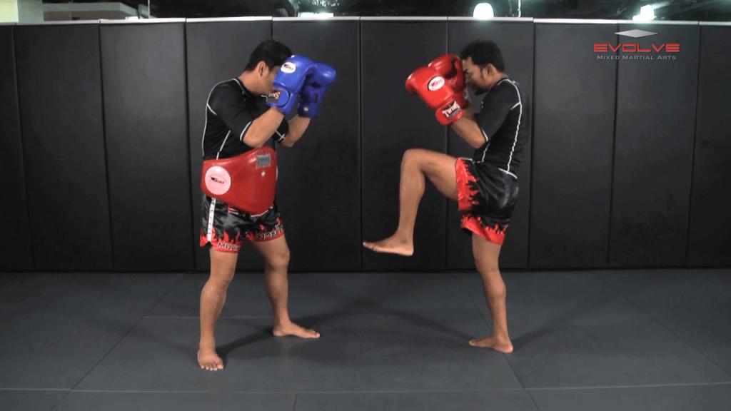 Dejdamrong Sor Amnuaysirichok: Fake, Right Up Elbow, Right High Kick