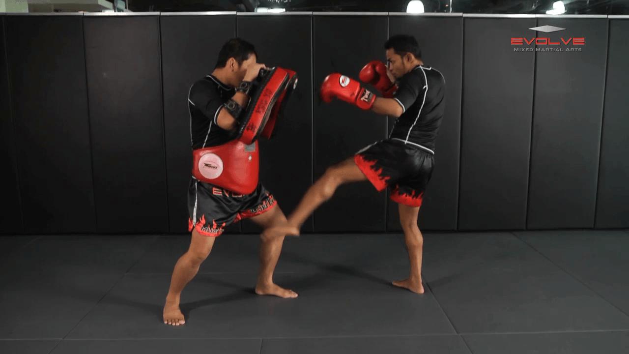 Dejdamrong Sor Amnuaysirichok: Inside Low Kick, Right Up Elbow, Left High Kick