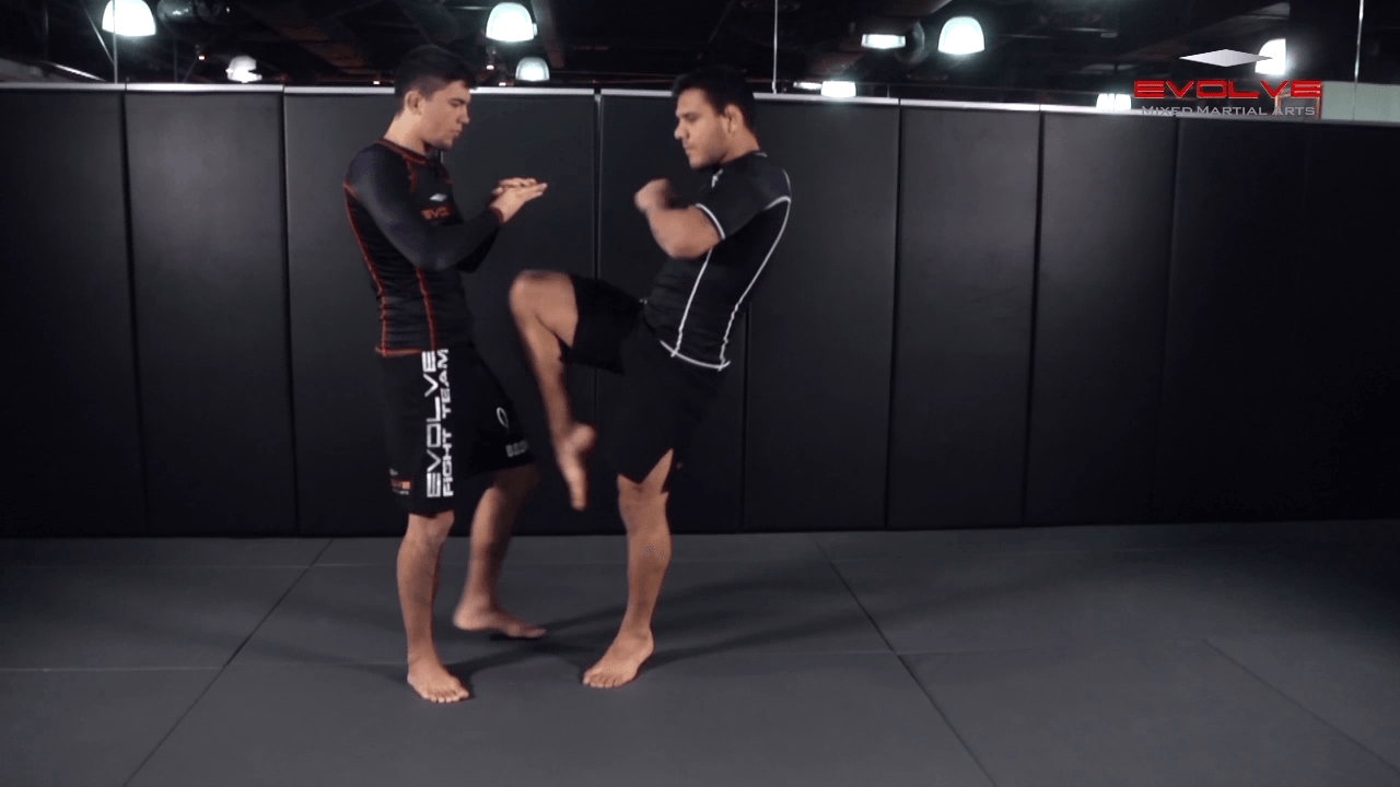 Superman Punch With Flying Knee