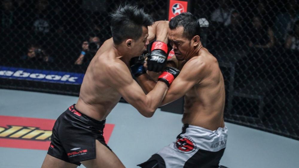 muay thai sagetdao elbow forehead