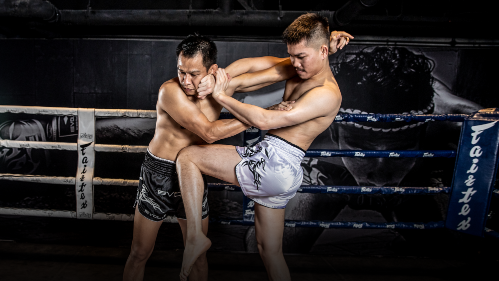 3 Reasons Why You Need To Master The Muay Thai Clinch