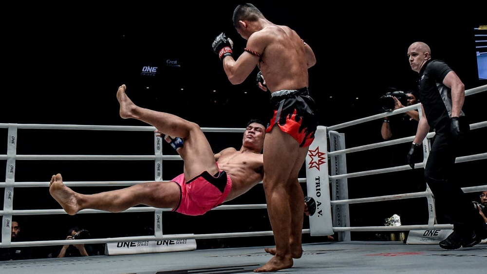 Add Nong-O Gaiyanghadao's Signature Sweep To Your Game!